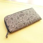竹田恒泰さんも愛用している印伝の長財布